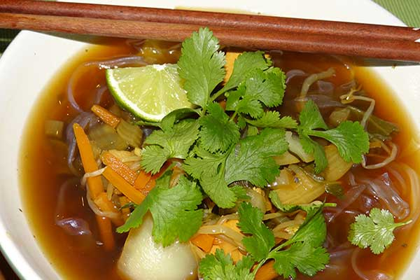 Asiatische-Chinakohl-Suppe